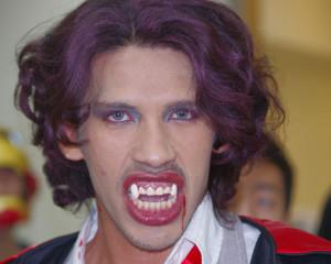 ILI Halloween Vampire