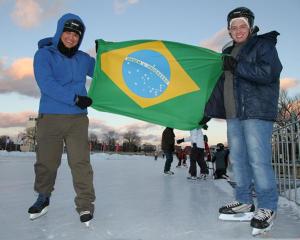 ILI Students Skating at Oval